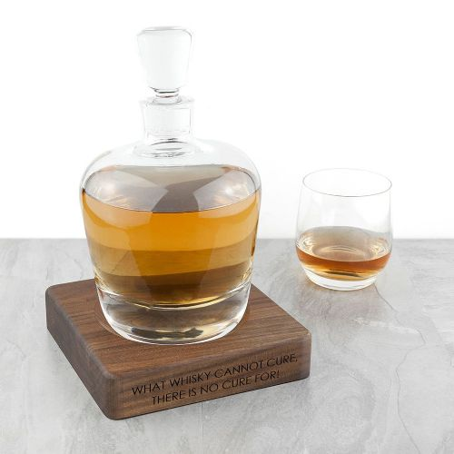 LSA Whisky Decanter & Walnut Base